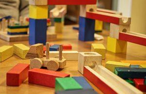 качествени дървени играчки